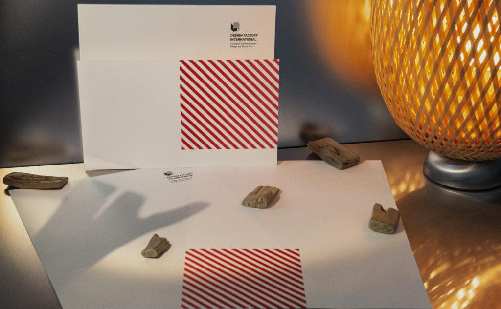 Design Factory Briefbogen mit Eyecatcher. Eine einzigartige regionale Druckerei ist genau deine richtige Wahl.