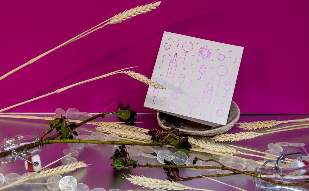 Geburtstagskarte mit einer violetten Heißfolienprägung