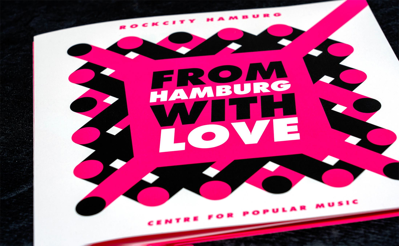 Mae in Hamburg with Love. Rockcity Hamburg mit der Leuchtfarbe Pink