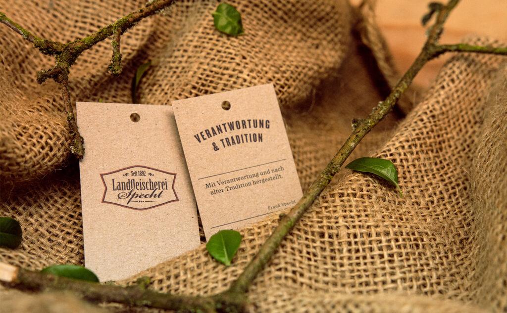 Umweltfreundliche Papiersorten: nachhaltige Hangtags auf den kreativen Design Recycling Gobi