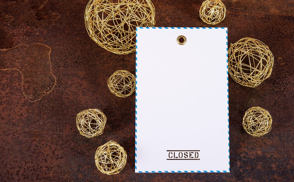 Umweltfreundlicher Digitaldruck der Oktoberfestanhänger für Closed mit einer Heißfolienprägung in Gold sowie einer passenden Öse.