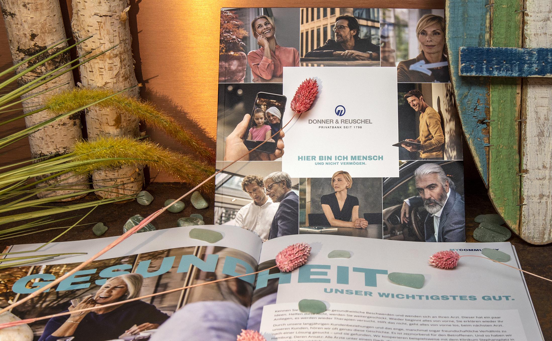 Imagebroschüren mit einer Fadenheftung für die Privatbank Donner & Reuschel