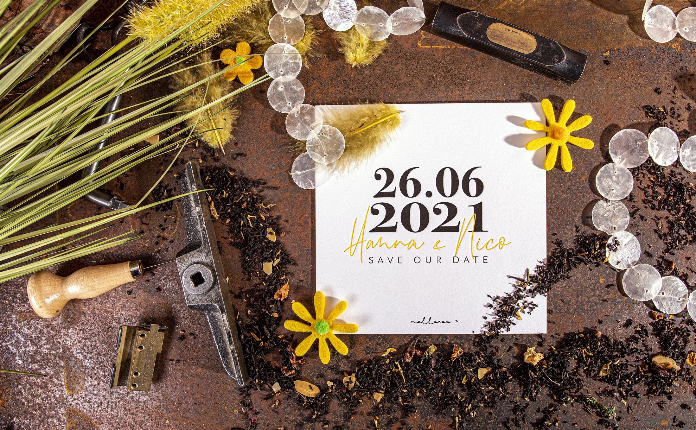 """Handwerklich gefertigte """"Safe the Date"""" Karte für eine Hochzeit im Letterpress"""