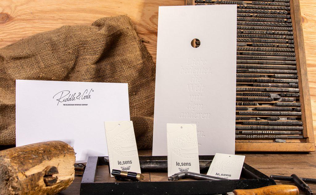 Baumwollpapiere für den Letterpress mit einer zartweichen und samtigen Haptik.