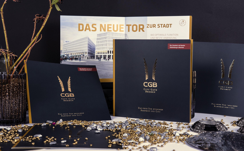 Das Exposé City Gate Bremen mit einer Cellophanierung der Umschlag-Aussenseiten mit kratzfester Mattfolie und einer Heißfolienprägung in Gold.