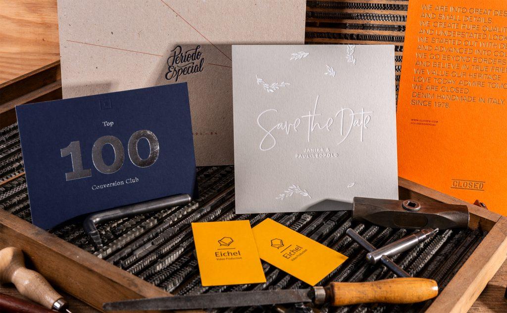 Farbige Papiersorten für den Letterpress, die Handwerkskunst im Druck