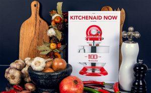 KitchenAid Magazin mit präzisen Farben, Kontrasten und Details.