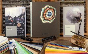 Optimale Papiersorten für den Letterpress sind Baumwollpapiere und haptische Naturpapiere.